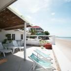 บ้านกางมุ้ง two bedrooms beach front